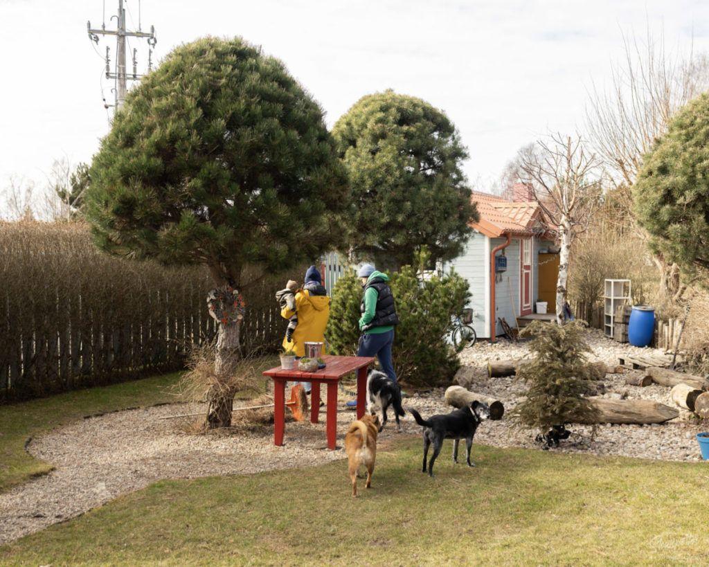 Fajne-Miejsce-wizyta-Slowspotter-niebieskie-domki-nad-morzem-ceramika