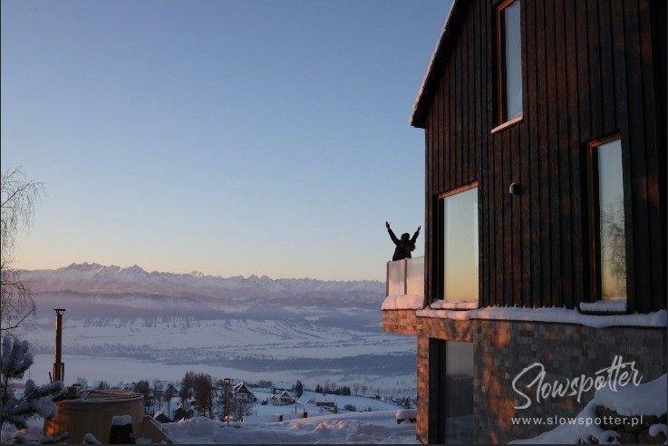 Chatta Huba dom z widokiem na jezioro i gory Gorce Slowspotter 2