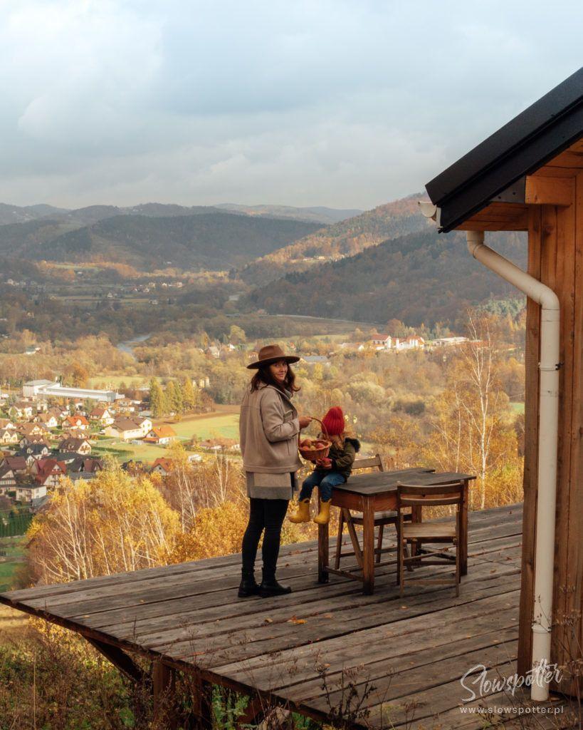 Dom na Wzgórzu Paproć wizyta Slowspotter malowniczy widok na Beskid Wyspowy