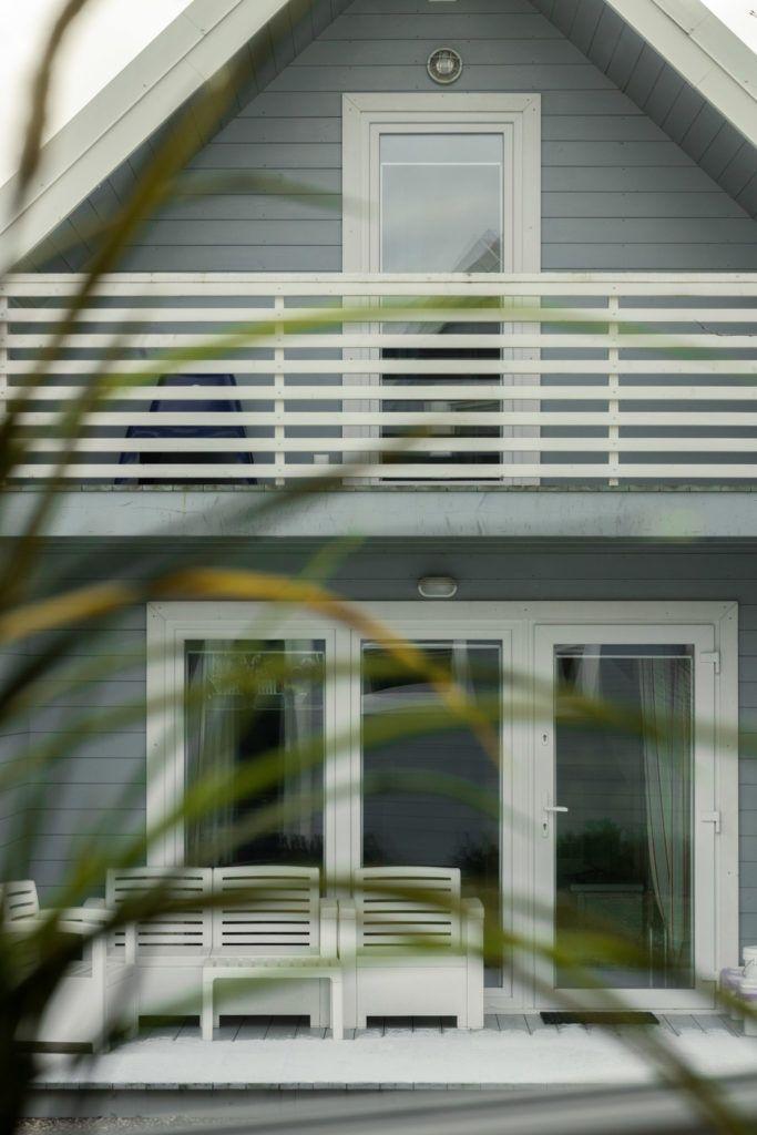 Fajne Miejsce wizyta Slowspotter niebieskie domki nad morzem wnetrza 3