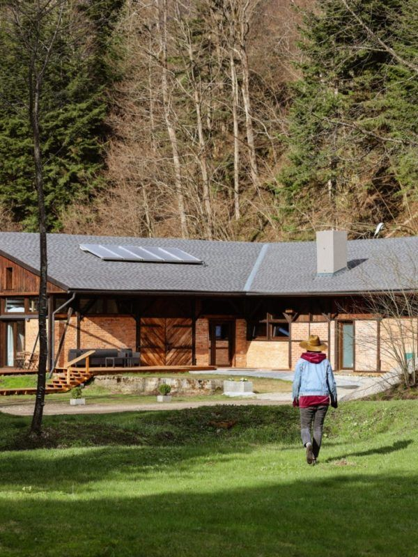 Novosiele Bieszczady w dolinie górskiej wizyta Slowspotter