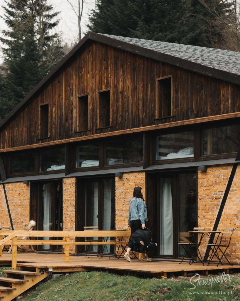 Novosiele Lifestyle Apartments Slowspotter Slow Cabin Bieszczady odrestaurowany budynek